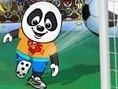 Schlüpfe mit dem süßen Panda abwechselnd in die Rolle des Angreifers und des Torwarts und besiege De