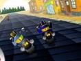 Hier geht es auf dicken Chopper-Motorrädern durch unterschiedliche Landschaften. Besiege Deine Gegne